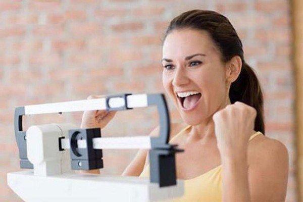 Эффективное похудение без усилий: метод косметических обертываний