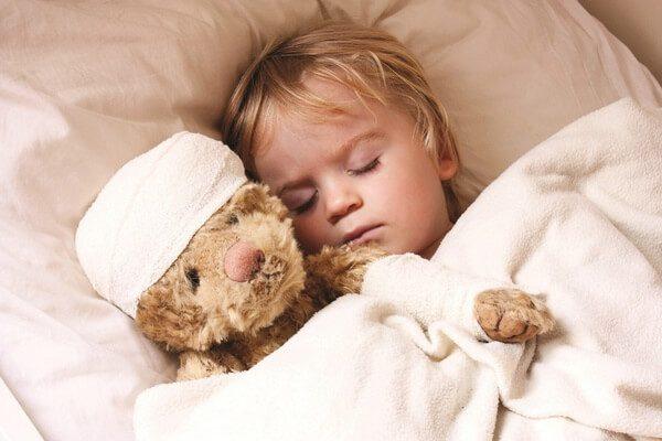 Первая помощь при травмах и ушибах головы у ребенка